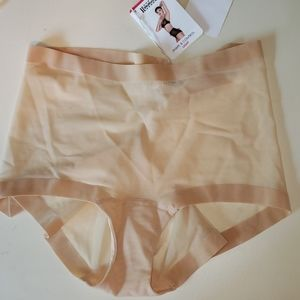 Wolford size 40 Light Shape & Control Panty